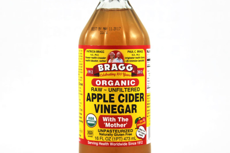 The elixir to alkalize your body first thing in the morning, Apple Cider Vinegar.
