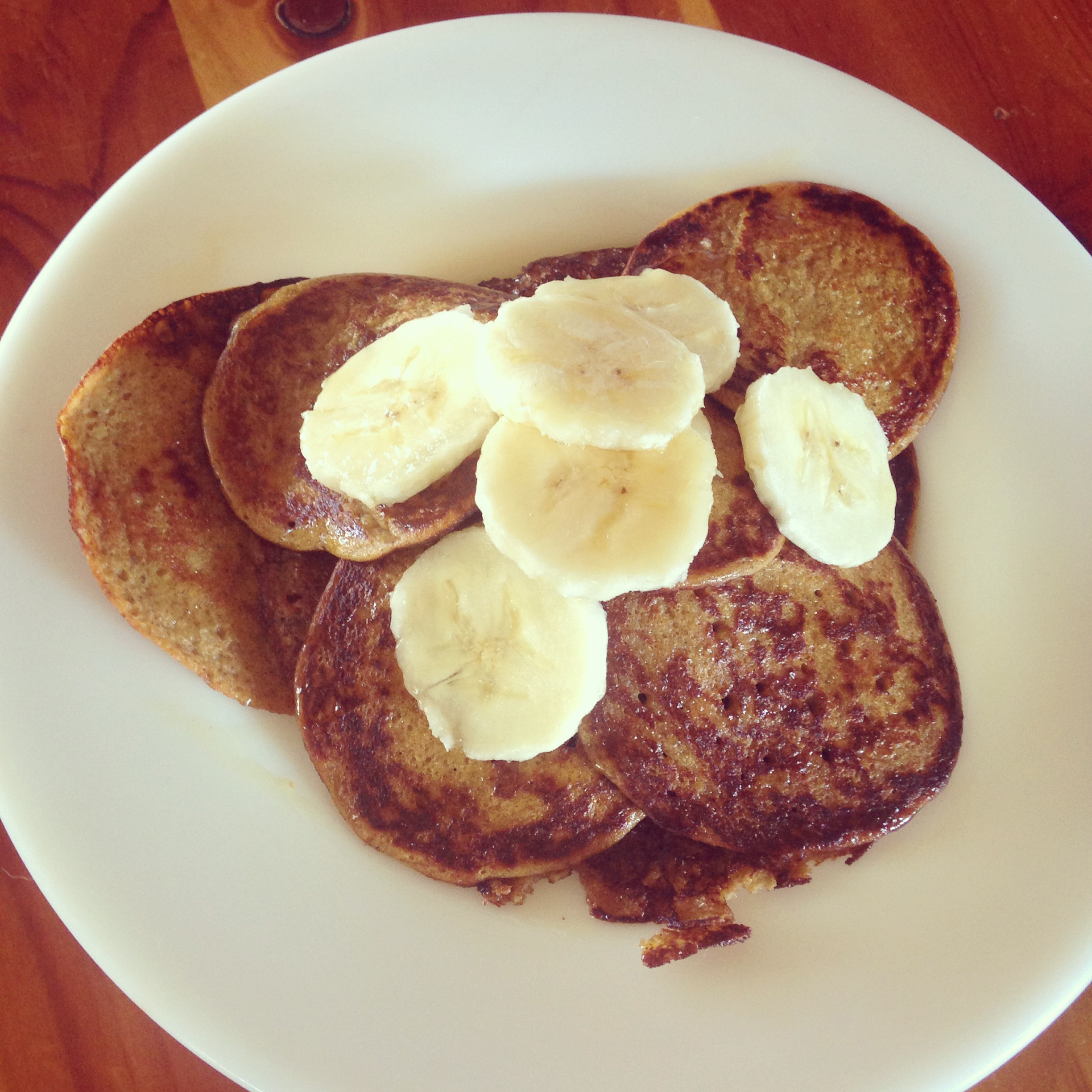 (Grain-free) Almond Butter & Banana Pancakes